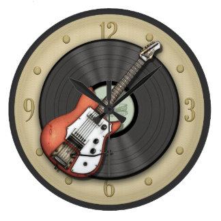 Vintagegitarren och den rekord- väggen för vinyl stor rund klocka
