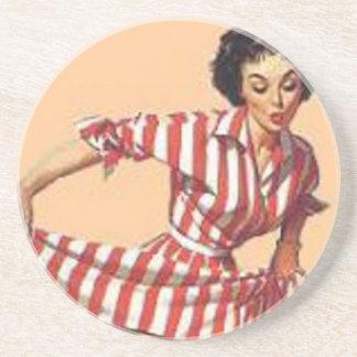 Vintagegodisstriperen klämmer fast upp flickan underlägg