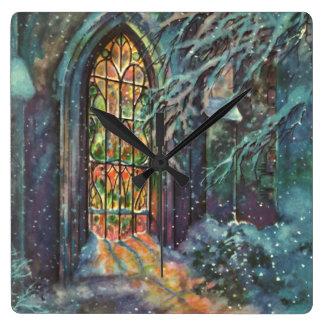 Vintagejulkyrka med målat glassfönstret fyrkantig klocka