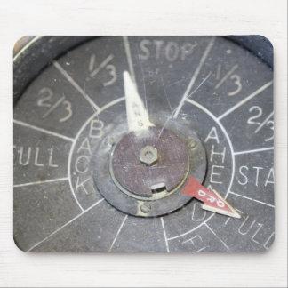 Vintagemotorn beställer telegraferar indikatorvisa musmatta