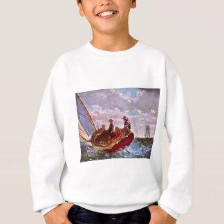 Vintageseglingjolle i ett öppet hav tshirts