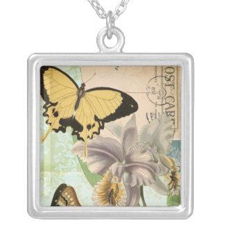 Vintagevykort med fjärilar och blommor silverpläterat halsband