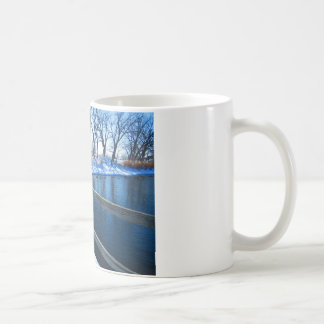 Vinter på parkera kaffemugg