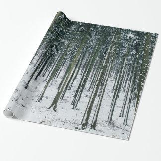 Vinterskogen landskap snö täckte träd presentpapper
