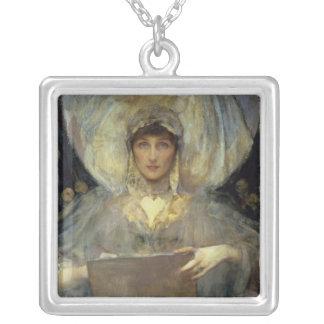 Violet hertiginna av Rutland Silverpläterat Halsband