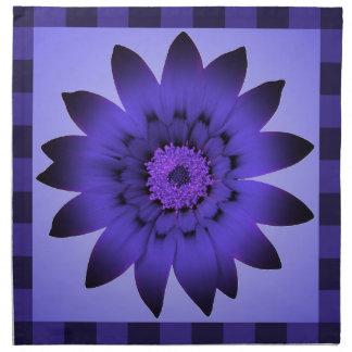 Violett blommakonstverk - trasaservetter tygservett
