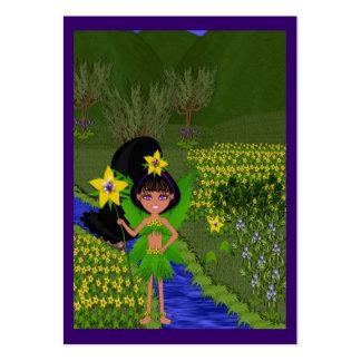Violett fe i fält av blommagåvamärkre set av breda visitkort