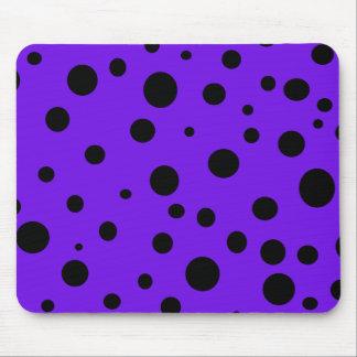 Violett lilasvartpolka dots flickaktigt mus matta