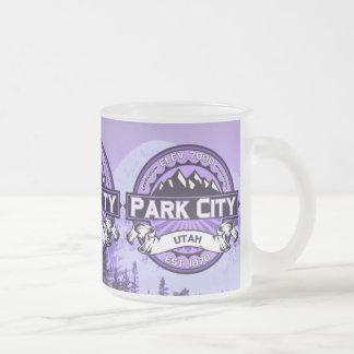 Violett mugg för Park City färglogotyp