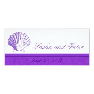 Violetta inbjudningar för snäckastrandbröllop