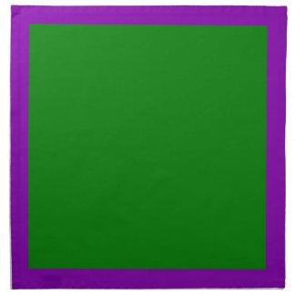 Violetta och gröna servetter