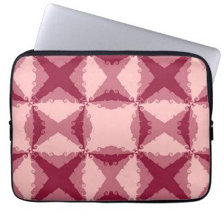 Virvlar runt den rosa blommigten för art déco Retr Laptop Sleeve