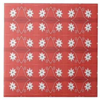 vit blommar på rött mönster stor kakelplatta