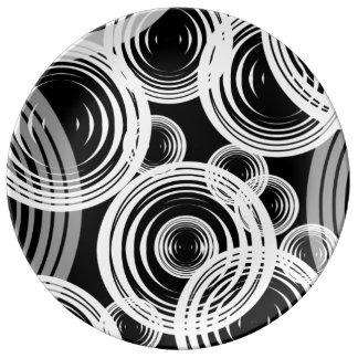 Vit och grå färg bubblar porslinstallrik