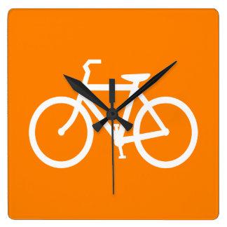 Vit och orange cykel fyrkantig klocka