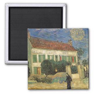 Vita hus på natten av Vincent Van Gogh Magnet