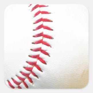 Vitbaseball med rött sy fyrkantigt klistermärke