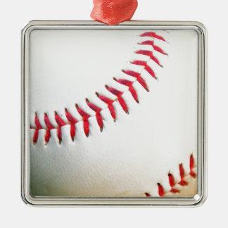 Vitbaseball med rött sy silverfärgad fyrkantigt julgransprydnad