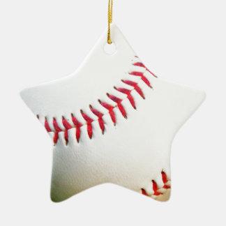 Vitbaseball med rött sy stjärnformad julgransprydnad i keramik