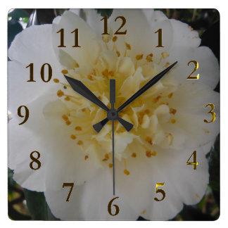 vitblomma fyrkantig klocka