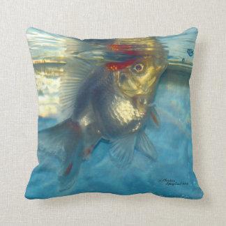 Vitguldfiskfisken kudder dekorativ kudde