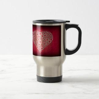 Vithjärtadesign på rött rostfritt stål resemugg