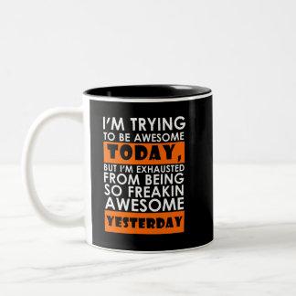 Vitorange mig pröva förmiddag som är enorm i dag Två-Tonad mugg