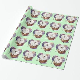 Vitpudelvalp i basket presentpapper