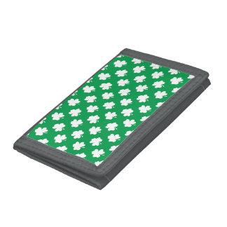 VitShamrocks på grön Sts Patrick dagklöver