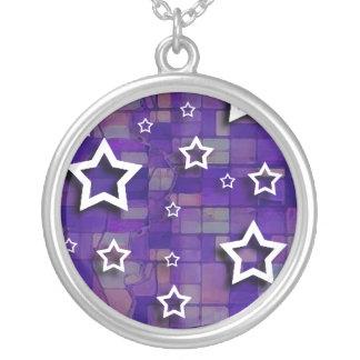 Vitstjärnor på lilor belägger med tegel: Halsband