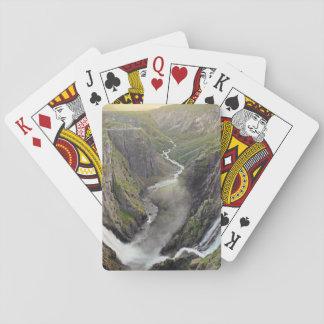Voringsfossen vattenfall i norgen som leker kort spel kort