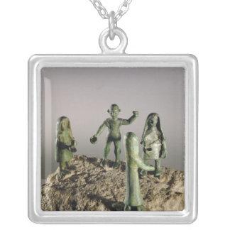 Votive relikskrin av skulden silverpläterat halsband