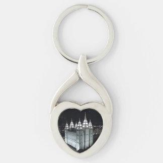 Vridet tempel för hjärtametallKeychain SLC Twisted Heart Silverfärgad Nyckelring