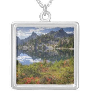 WA alpin sjöarvildmark, Gem sjö, med Silverpläterat Halsband