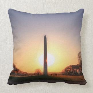 Washington monument på solnedgången kudde