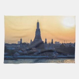 Wat Arun tempelSilhouette Thailand Bangkok på Kökshandduk