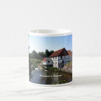 Watermill i den Danmark muggen Kaffemugg