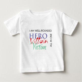 WellRounded - hjälte, Villain, offer - alla i ett T-shirts