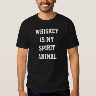 Whisky är mitt andedjur tee shirt