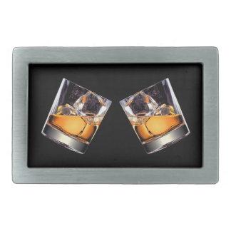 Whisky på det stenRect bältet spänner fast