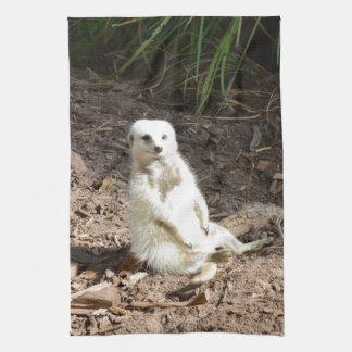 White_Meerkat_Grins _Tea_Towel. Kökshandduk