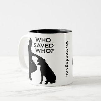 Who saved who mug black print Två-Tonad mugg