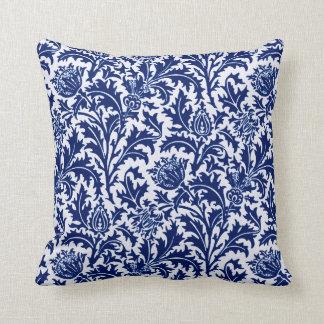 William Morris Thistledamast, koboltblått & vit Kudde