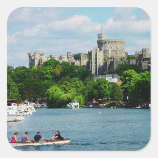 Windsor slott från Thamesen Fyrkantigt Klistermärke