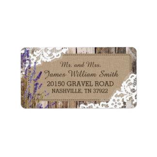 Wood lantlig bröllopetikett för lavendel och för adressetikett