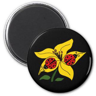 XX- nyckelpigor på lilja Magnet