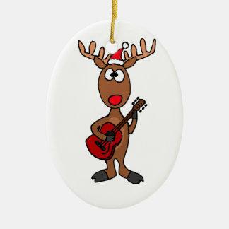 XX- Rendeer som leker gitarren Ovalformad Julgransprydnad I Keramik