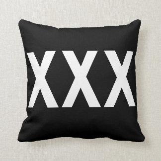 XXX kudder den trefaldiga x-kastdekoren Kudde