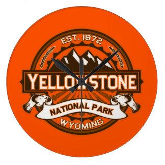 Yellowstone färglogotyp stor klocka