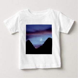 Yellowstone måne över Wyoming Tee Shirt